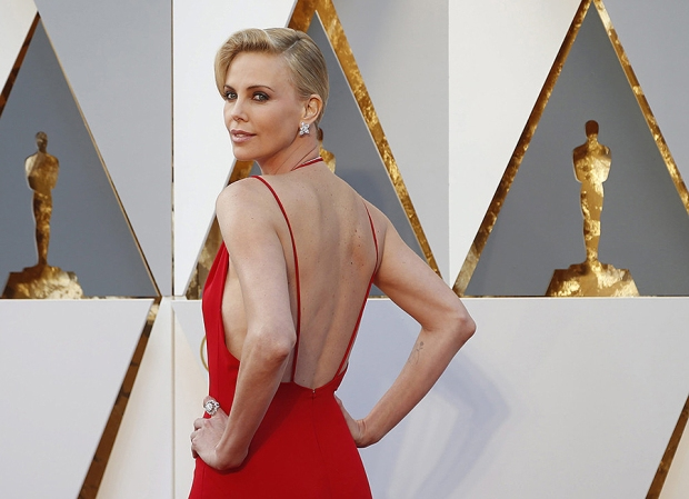 Charlize Theron Oscars 2016 red carpet