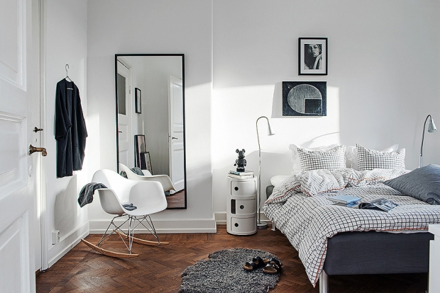 Eames 9